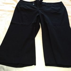 Maurices Black Capri's sz 13/14